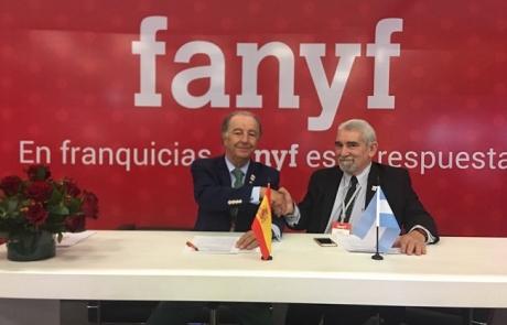 Imagen del acuerdo entre la AEF y la AAMF